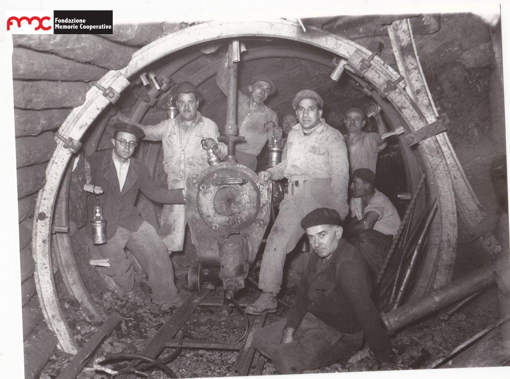 Foto 3. Minatori della miniera di Baccinello, Ribolla 1953