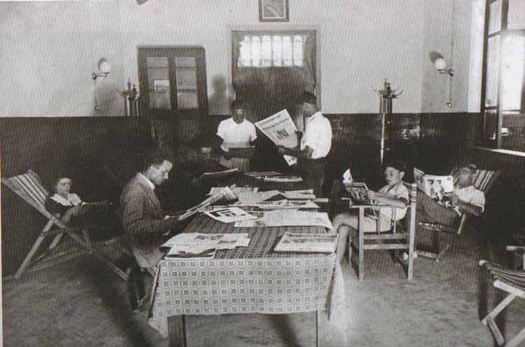 Fig.-13.-Sala-di-lettura-del-dopolavoro-del-cementificio-Scarfiotti,-anni-20-40,-in-Perfetti,-Carlorosi,-Buschi-2007,-139.