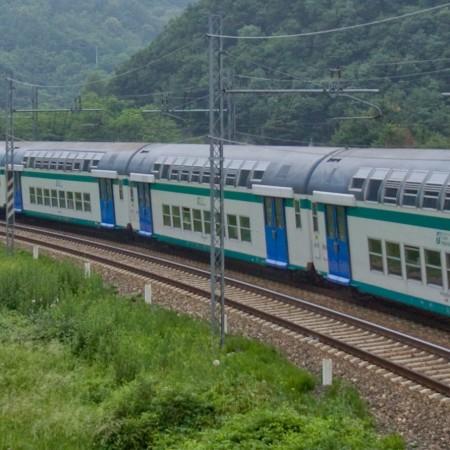 Il viaggio in treno come occasione di conoscenza. Storia e specimen di un'audioguida per la tratta ferroviaria Bologna-Porretta Terme